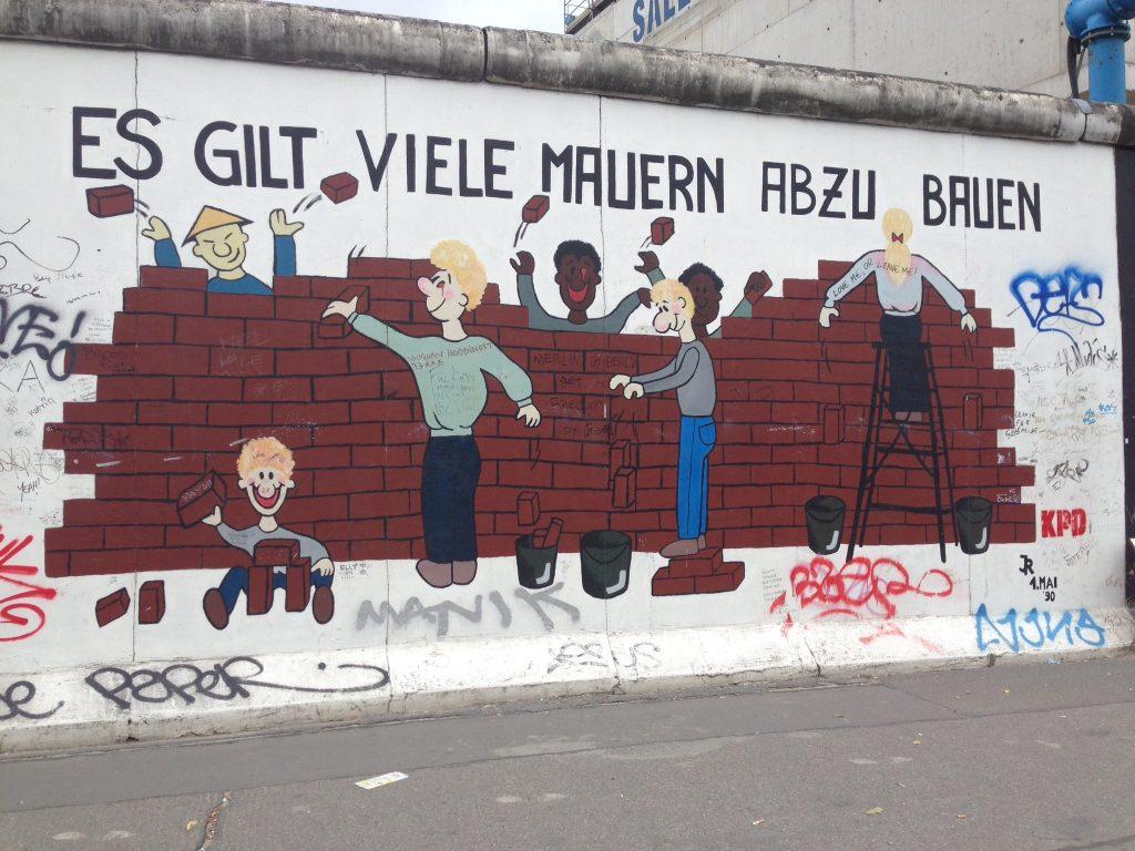 street art on Berlin Wall